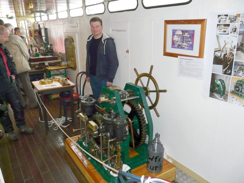 2014-04-06 Heiko Werner zur Dampfmodellausstellung an Bord des PD DRESDEN