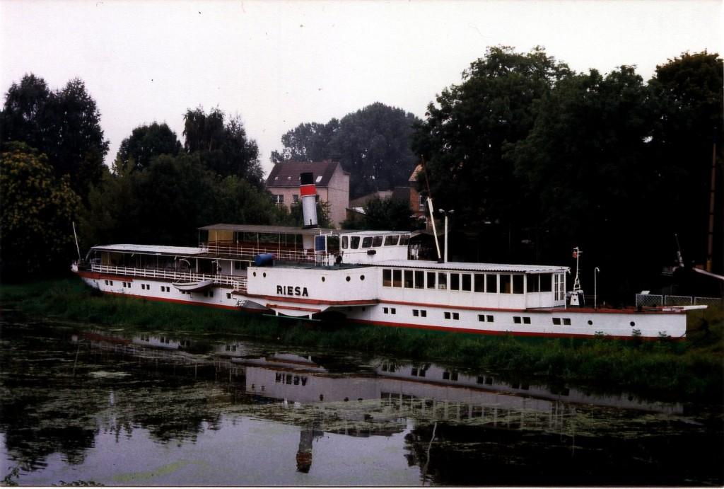 1995-09-09 PD Riesa mit Vorderdecksalon in Oderberg_2
