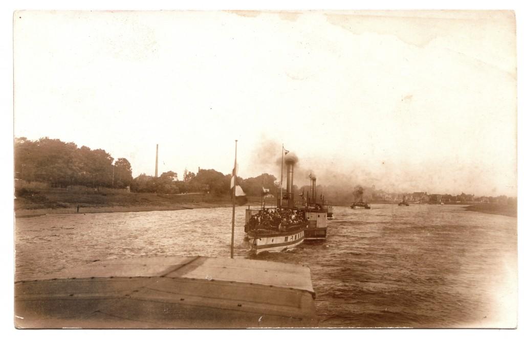 1915um Dampferparade vor Laubegast - OrigFoto ABilz