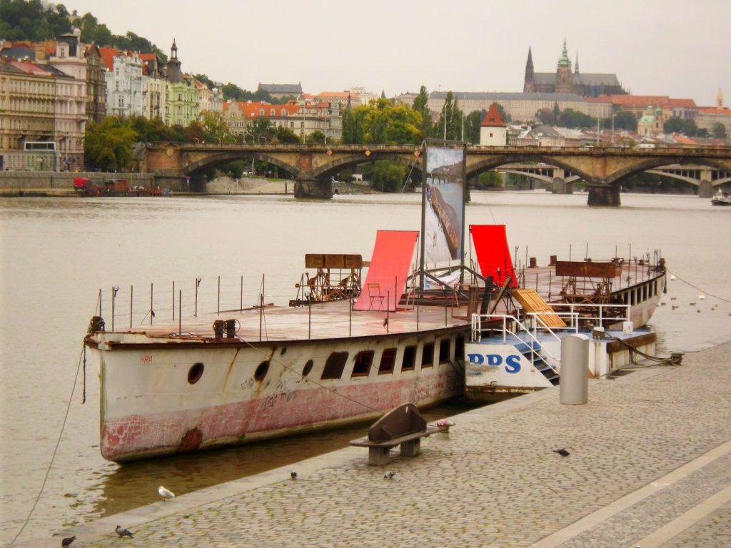 DS Vysehrad als Kunstobjekt Prag 08.09.2011_1