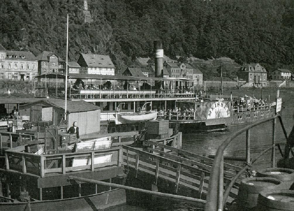 1944um MEISSEN tw in Tetschen - Foto verm Heller in NRU