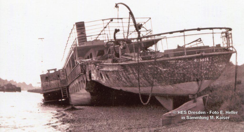 1945_04 PD LEIPZIG gesunken am Kleinzschachwitzer Ufer