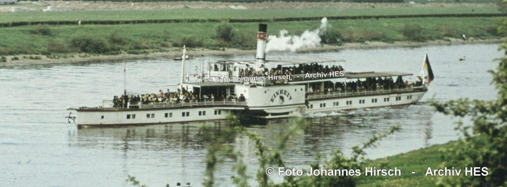 1966um PD EINHEIT bw nach Abfahrt von der Station Wachwitz - Foto J.Hirsch