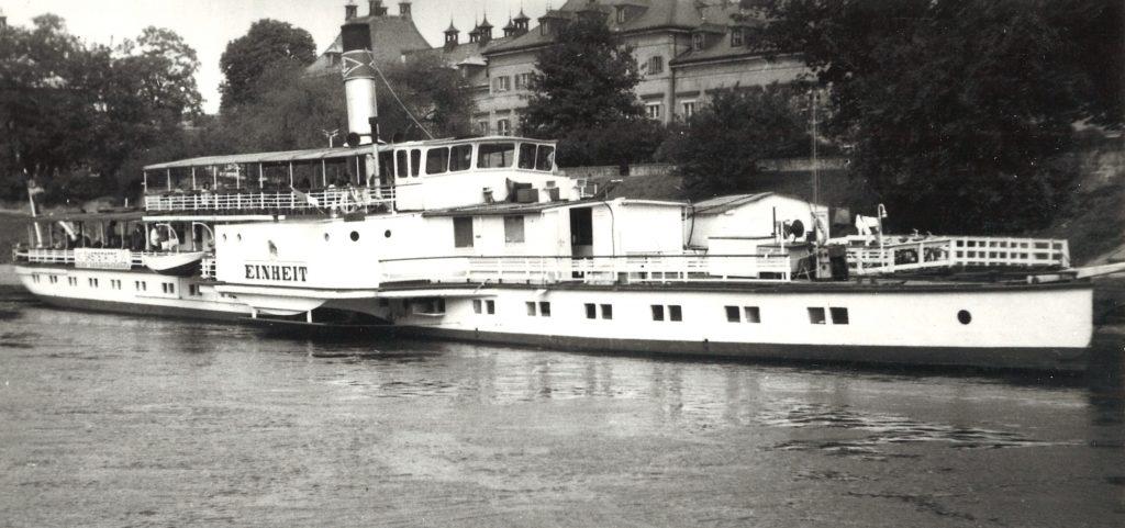 1974 EINHEIT als Restaurant in Pillnitz - SJH