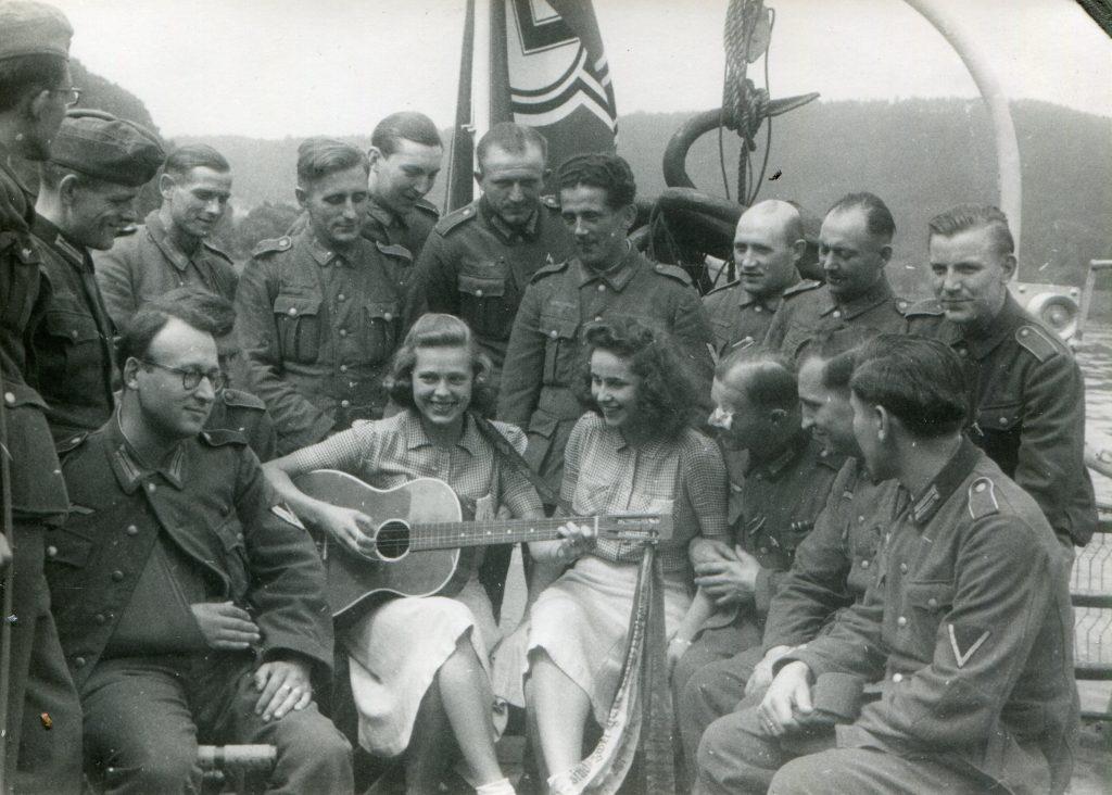 1942_03 LEIPZIG auf Lazarettfahrt - Original SammlABz